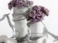 Baza čierná , váza biela