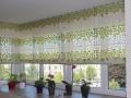 rimske-rolety-so-zaujimavym-listockovym-vzorom-zelenej-a-kremovej-farby