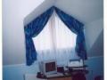 zaves-a-zaclona-na-trojuholnikove-okno